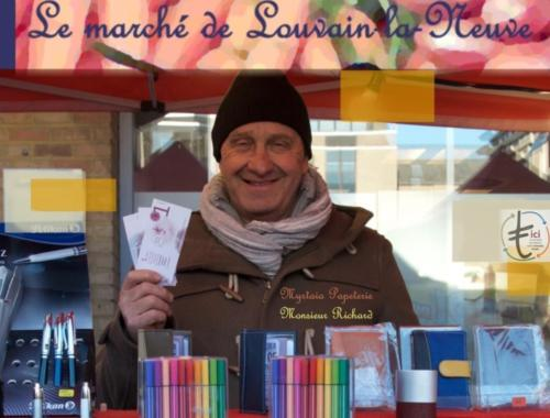 31 Papeterie Myrlaia Marché LLN Mr Richard